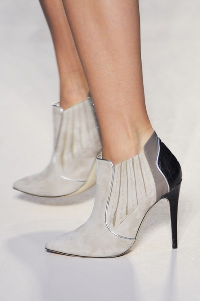 Elena Miro at Milan Fall 2012 (Details)