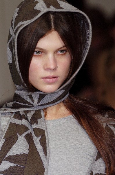 Emma Cooke at London Fall 2005 (Details)