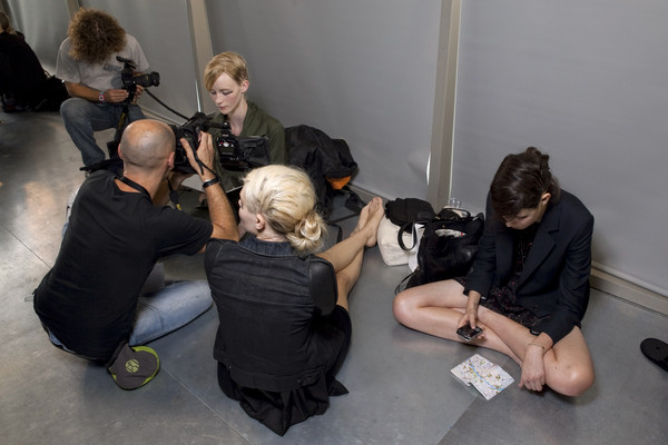 FELIPE BAPTISTA OLIVEIRA at Paris Spring 2011 (Backstage)