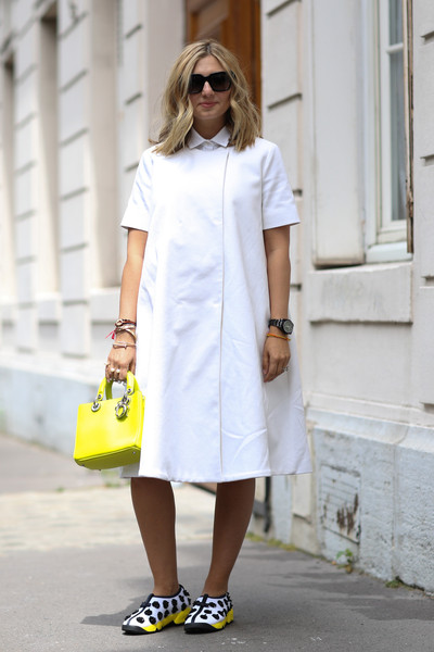 buy online 80e19 008ae Sneaker Chic - 50 Stylish Outfits for Spring - Livingly