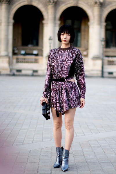 80s Flair 60 Outfit Ideas From Paris Fashion Week S Street Style