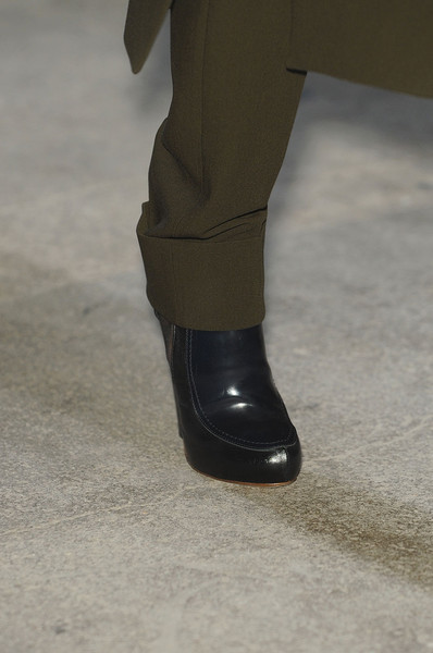 Felipe Oliveira Baptista at Paris Fall 2011 (Details)