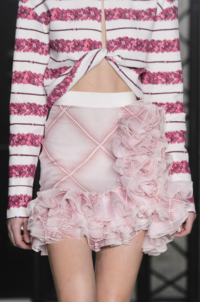 Giambattista Valli at Paris Spring 2018 (Details)