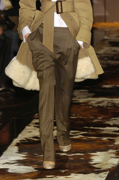 Gianfranco Ferré at Milan Fall 2005 (Details)