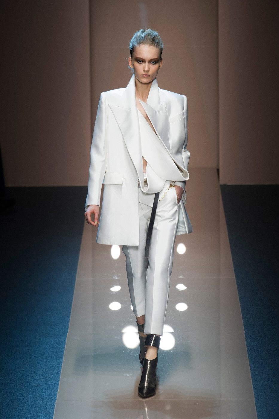 Gianfranco Ferré Fall 2013 Runway Pictures