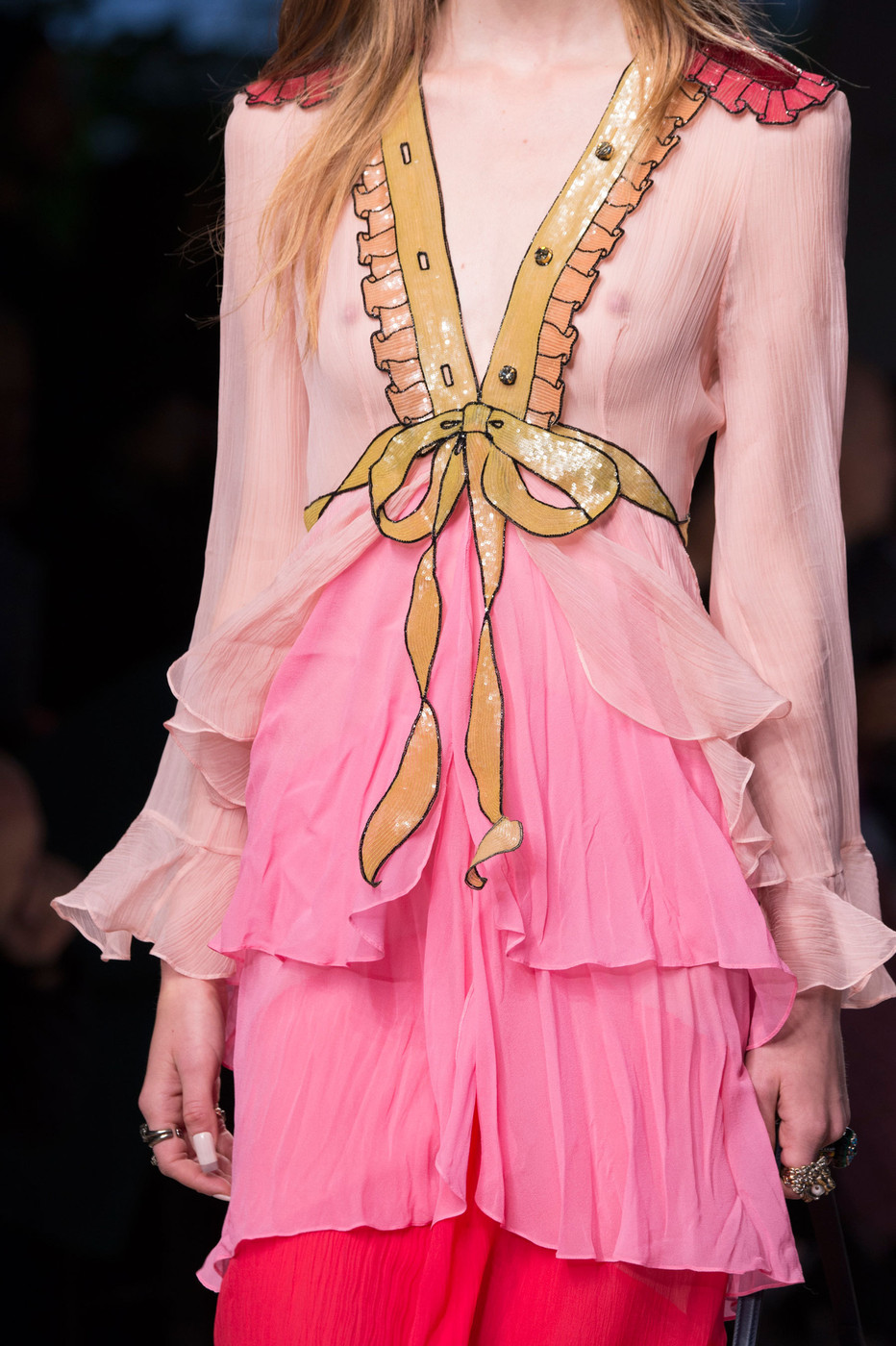 Gucci spring 2016 runway pictures livingly for Milan show 2016