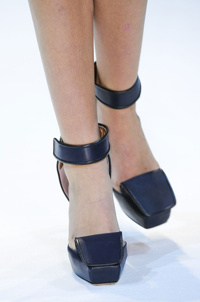 Guy Laroche at Paris Spring 2013 (Details)