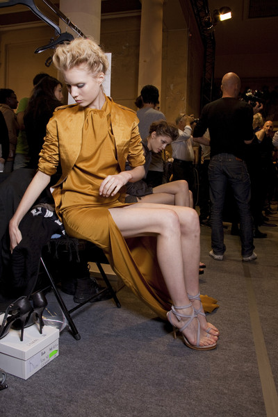 HAIDER AKERMANN at Paris Spring 2010 (Backstage)