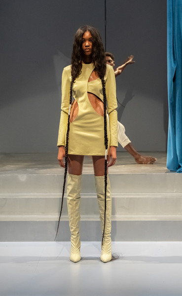 Head Of State at New York Spring 2022 [hairstyle,leg,fashion,waist,thigh,runway,performing arts,entertainment,curtain,knee,shoe,head of state,runway,fashion,fashion model,hairstyle,performing arts,entertainment,new york fashion week,fashion show,fashion show,fashion,runway,shoe,fashion model]