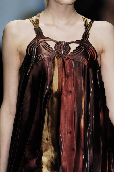 Hussein Chalayan at Paris Fall 2006 (Details)