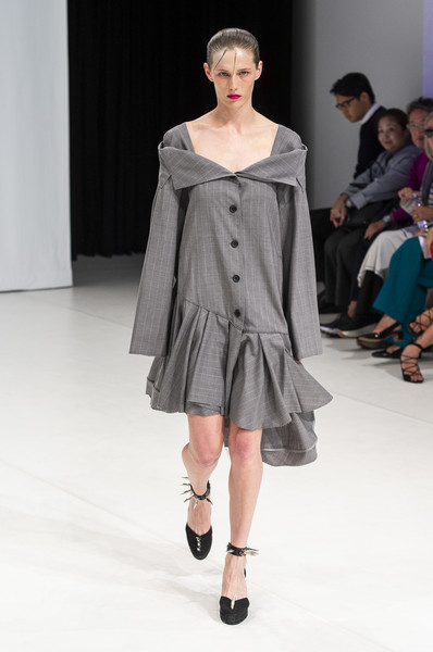 Hussein Chalayan at London Spring 2019 [fashion show,fashion model,fashion,runway,clothing,shoulder,public event,joint,event,fashion design,hussein chalayan,fashion,runway,fashion week,clothing,london,london fashion week,fashion show,paris fashion week,chalayan - london fashion week,runway,hussein chalayan,fashion show,london fashion week,fashion week,fashion,paris fashion week,london,chalayan - london fashion week 2017,model]