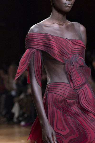 Iris Van Herpen at Couture Spring 2019 (Details) [couture spring 2019,fashion model,fashion,shoulder,haute couture,clothing,dress,fashion design,runway,fashion show,pink,supermodel,fashion,haute couture,runway,clothing,model,spring,fashion model,fashion show,haute couture,runway,fashion show,amsterdam,model,supermodel,fashion,clothing,spring]