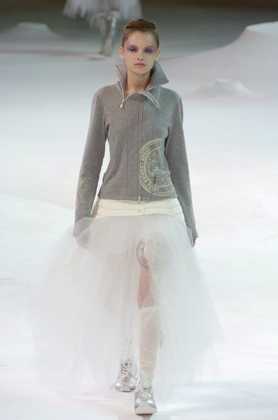 Issey Miyake at Paris Fall 2004 [fashion,fashion model,fashion show,white,runway,clothing,haute couture,fashion design,outerwear,event,supermodel,issey miyake,fashion,runway,haute couture,model,fashion model,clothing,paris fashion week,fashion show,runway,fashion show,model,fashion,supermodel,haute couture]