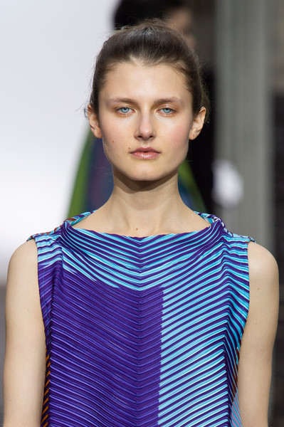 Issey Miyake at Paris Fall 2019 (Details) [hair,fashion,face,fashion model,fashion show,clothing,shoulder,beauty,hairstyle,model,supermodel,socialite,issey miyake,hair,fashion,model,runway,haute couture,paris fashion week,fashion show,runway,fashion show,supermodel,hair m,model,fashion,haute couture,socialite,long hair,hair]
