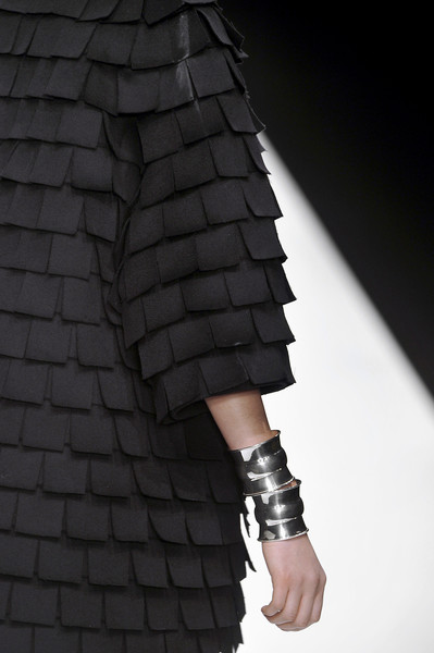 Jasper Conran at London Fall 2010 (Details)