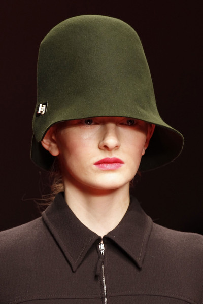 Jasper Conran at London Fall 2013 (Details)