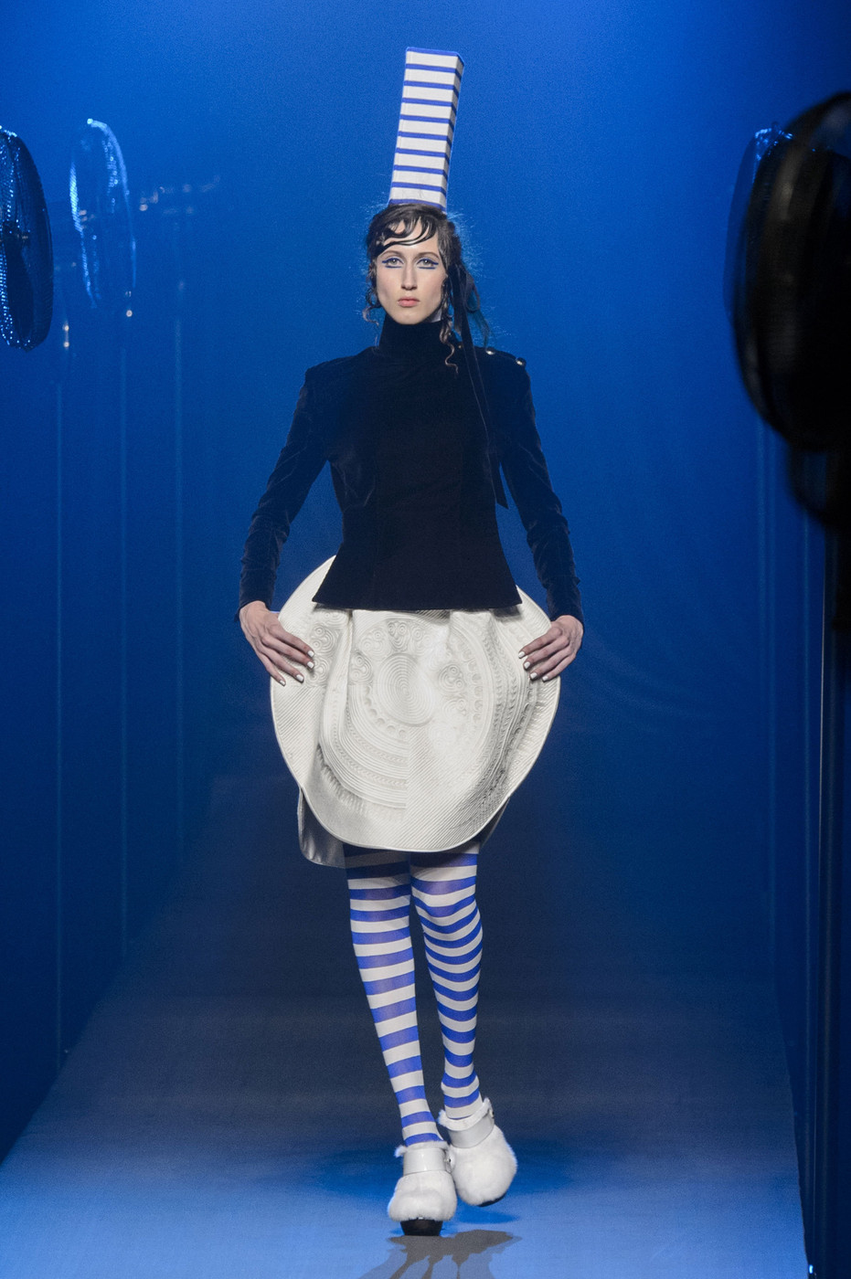jean paul gaultier fall 2015 runway pictures livingly. Black Bedroom Furniture Sets. Home Design Ideas