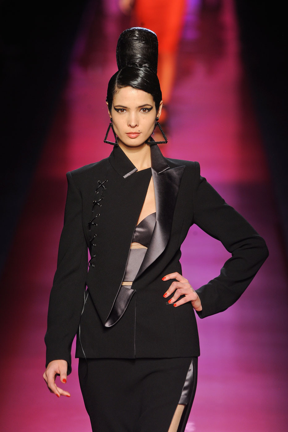 jean paul gaultier at couture spring 2012 livingly. Black Bedroom Furniture Sets. Home Design Ideas