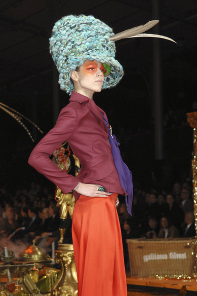 John Galliano at Paris Fall 2008 [fashion,tradition,performance,event,human body,performing arts,headgear,performance art,costume,plant,john galliano,fashion,fashion week,runway,human body,performing arts,headgear,paris,paris fashion week,fashion show,paris fashion week,fashion,fashion show,fashion week,dior,runway,autumn,paris,ready-to-wear]