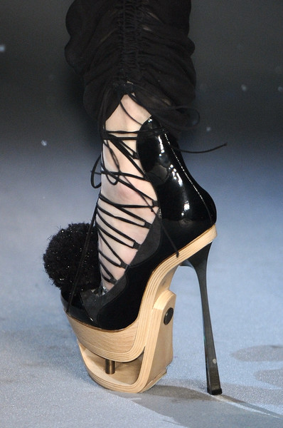 John Galliano at Paris Fall 2009 (Details) [high heels,footwear,black,shoe,fashion,leg,ankle,basic pump,sandal,joint,shoe,shoe,footwear,john galliano,high heels,leg,ankle,pump,sandal,paris fashion week,shoe,high-heeled shoe,sandal]