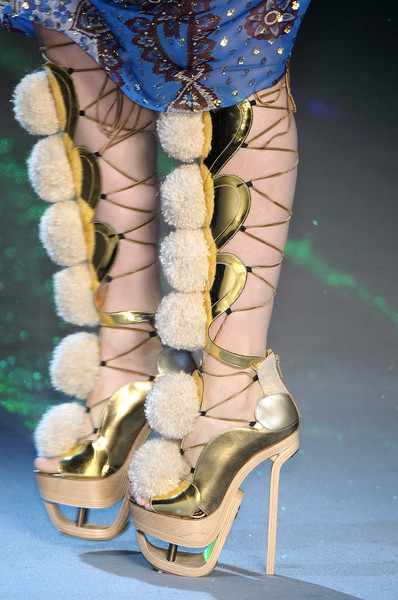John Galliano at Paris Fall 2009 (Details) [footwear,shoe,leg,fashion,high heels,boot,human leg,ankle,knee,thigh,shoe,shoe,john galliano,fashion,leg,foot,bob cut,shoesme,high heels,paris fashion week,shoe,fashion,high-heeled shoe,shoesme,sandal,foot,bob cut,leg,the fragile,winter]