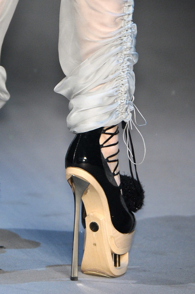 John Galliano at Paris Fall 2009 (Details) [footwear,shoe,fashion,leg,high heels,haute couture,ankle,human body,sandal,beige,shoe,shoe,footwear,john galliano,fashion,runway,model,haute couture,sandal,paris fashion week,shoe,sandal,high-heeled shoe,runway,fashion,model]