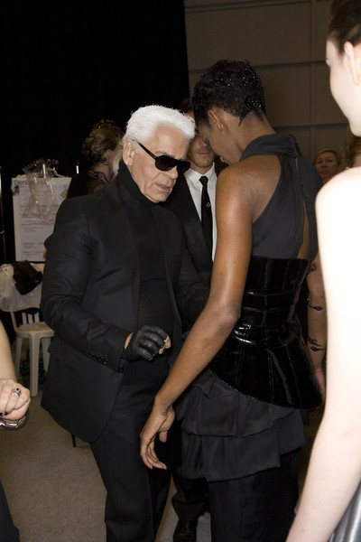 Karl Lagerfeld at Paris Spring 2009 (Backstage)