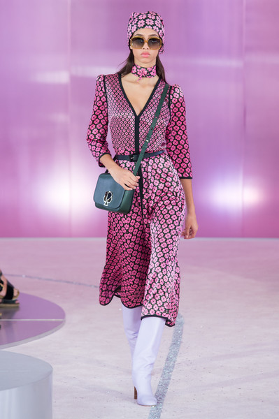 Kate Spade at New York Spring 2019 [fashion model,fashion,fashion show,runway,clothing,pink,fashion design,public event,haute couture,event,kate spade,fashion,fashion week,runway,clothing,pink,new york,new york fashion week,fashion show,paris fashion week,new york fashion week,kate spade,new york,paris fashion week,fashion week,fashion show,kate spade new york,fashion,spring]
