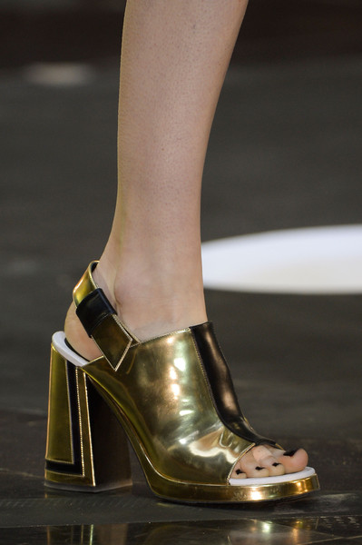 Kenzo at Paris Fall 2013 (Details)