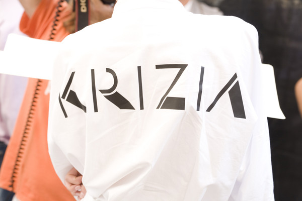 Krizia at Milan Spring 2009 (Backstage)
