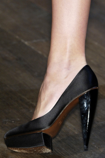 Lanvin at Paris Spring 2006 (Details)