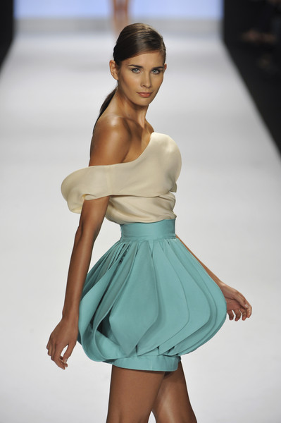 Leanne Marshall at New York Spring 2009