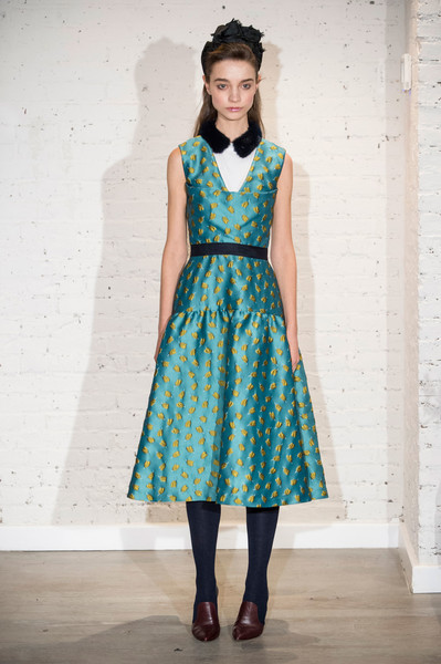 Lela Rose at New York Fall 2017 [clothing,fashion model,day dress,dress,fashion,turquoise,blue,aqua,one-piece garment,waist,dress,cocktail dress,dress,fashion,clothing,runway,vintage clothing,model,new york fashion week,fashion show,runway,fashion show,haute couture,cocktail dress,clothing,fashion,vintage clothing,dress,pattern,model]