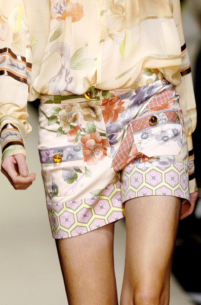 Leonard at Paris Spring 2006 (Details)