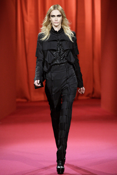 Lie Sang Bong at Paris Fall 2010