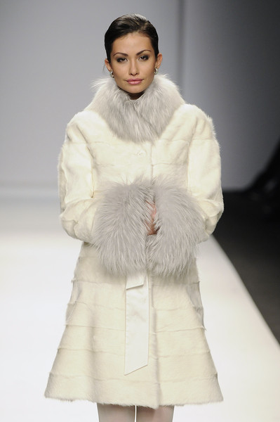 Lisa Romanyuk at Milan Fall 2010