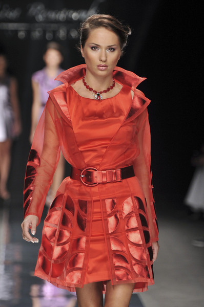 Lisa Romanyuk at Milan Spring 2010