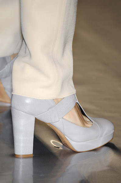 Luciano Soprani at Milan Fall 2009 (Details)