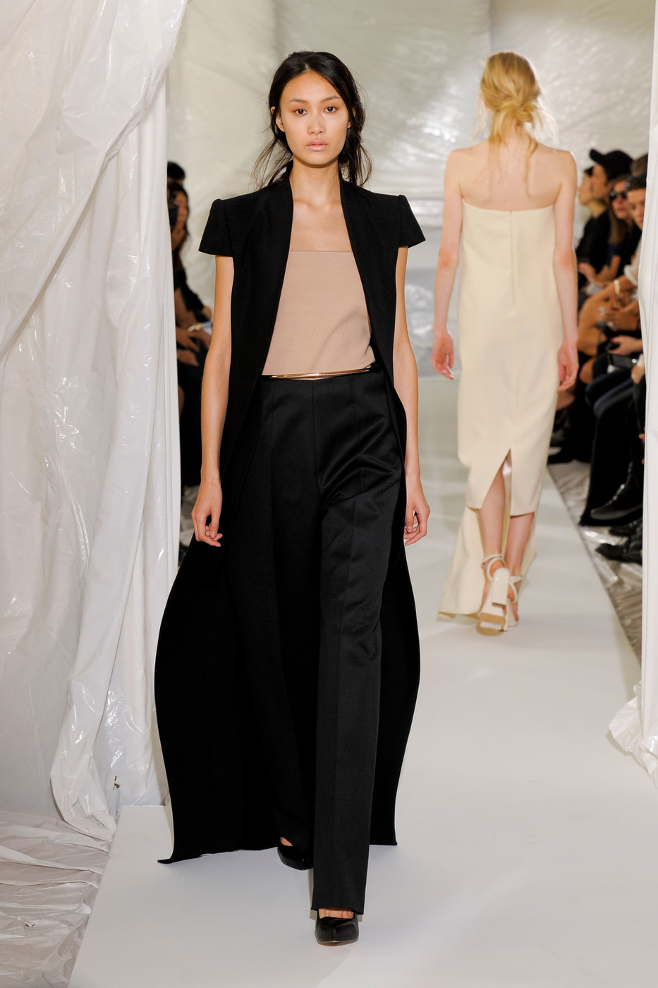 Maison martin margiela spring 2013 runway pictures livingly for Maison martin margiela paris