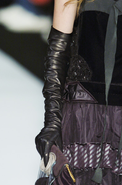 Marc Jacobs at New York Fall 2005 (Details)