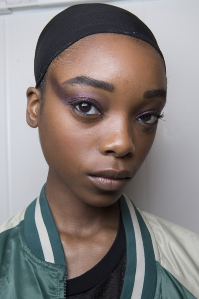 Marc Jacobs at New York Fall 2018 (Backstage) [face,eyebrow,hair,forehead,lip,skin,head,beauty,nose,eye,marc jacobs,beauty,fashion,fashion week,eye shadow,eye liner,runway,forehead,lip,new york fashion week,beauty,fashion,marc jacobs,fashion week,eye shadow,eye liner,runway]