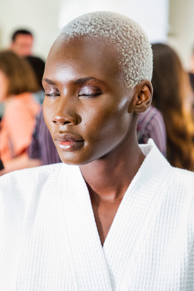 Marc Jacobs at New York Spring 2019 (Backstage) [hair,face,eyebrow,hairstyle,lip,skin,beauty,fashion,buzz cut,chin,marc jacobs,madame figaro,fashion,beauty,model,hairstyle,lip,skin,new york fashion week,fashion show,marc jacobs,fashion,ready-to-wear,model,fashion show,beauty,madame figaro,shoe]