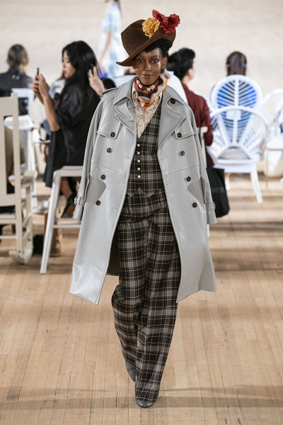 Marc Jacobs at New York Spring 2020 [clothing,fashion,coat,street fashion,outerwear,trench coat,fashion show,runway,headgear,overcoat,marc jacobs,fashion,runway,fashion week,spring,street fashion,model,slick woods,new york fashion week,fashion show,slick woods,new york fashion week,fashion,fashion week,fashion show,runway,spring,ready-to-wear,model,haute couture]