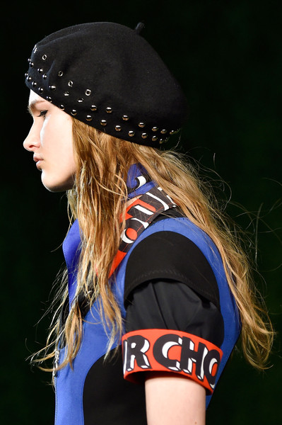 Marc by Marc Jacobs at New York Fall 2015 (Details) [clothing,cap,beauty,beanie,headgear,long hair,brown hair,fashion accessory,photography,neck,marc by marc jacobs,jack wolfskin stormlock knit cap,beanie,cap,knit cap,hat,hat,knitting,sky,new york fashion week,beanie,sun hat,knit cap,jack wolfskin stormlock knit cap-dark sky,hat,cap,knitting,ycombinator,radio 021]