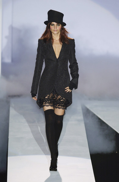 Mariella Burani at Milan Fall 2003