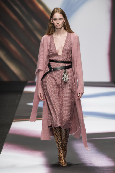 Maryling at Milan Fall 2019 [fashion model,fashion,fashion show,runway,clothing,fashion design,haute couture,long hair,public event,dress,maryling,fashion,runway,fashion week,vogue,clothing,fashion design,haute couture,milan fashion week,fashion show,milan fashion week,fashion,ready-to-wear,fashion show,runway,fashion week,maryling,jil sander,maryling,vogue]