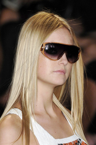 Matthew Williamson at New York Spring 2009 (Details) [eyewear,hair,sunglasses,blond,face,hairstyle,cool,glasses,lip,beauty,blond,sunglasses,matthew williamson,hair,brown hair,hairstyle,model,face,hair m,new york fashion week,blond,hair m,bangs,sunglasses,black hair,brown hair,layered hair,long hair,model,surfer hair]