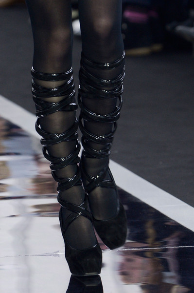 Maxime Simoens at Paris Fall 2013 (Details)