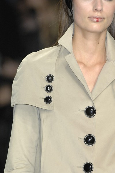 Mazzoni at Milan Fall 2007 (Details)