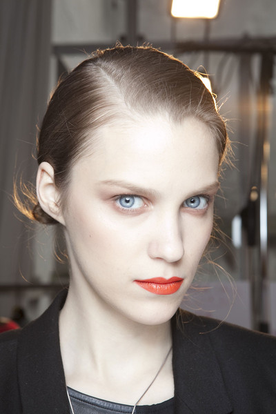 Mila Schön at Milan Fall 2011 (Backstage)